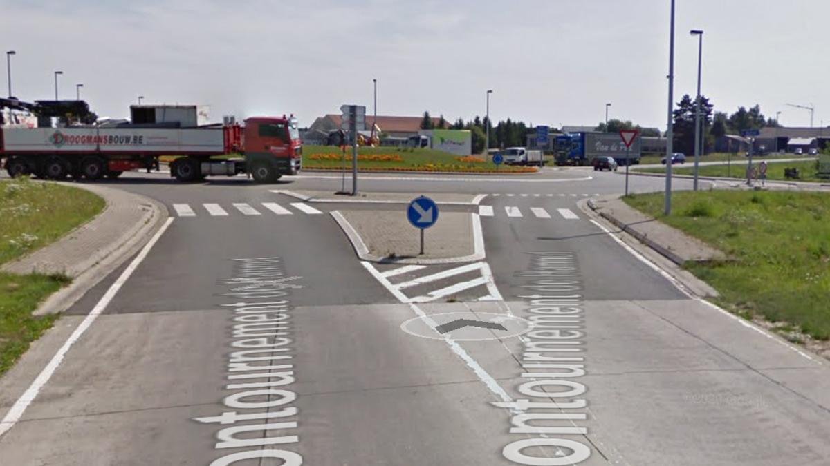 Rond_Point_tracteur_Hannut_Travaux